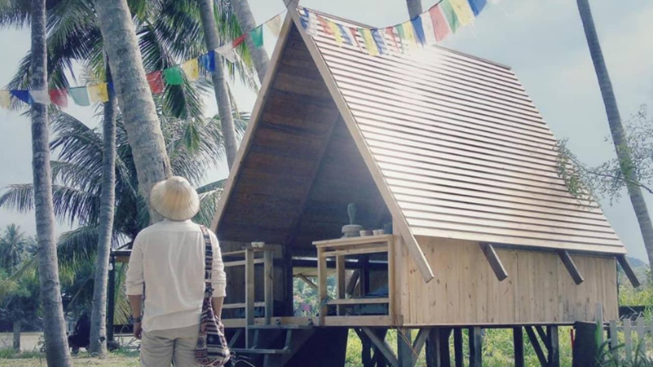 Nhà Bên Sông là những ngôi nhà nhỏ dưới rặng dừa