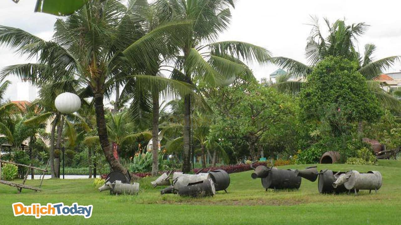 Khu sinh thái Vườn quả Từ Liêm là địa điểm lý tưởng để tổ chức các trò chơi teambuilding, tổ chức sự kiện với sức chứa lên đến 1000 người.