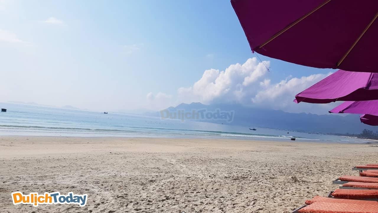 Biển xanh - cát trắng tại Paradise resort Nha Trang