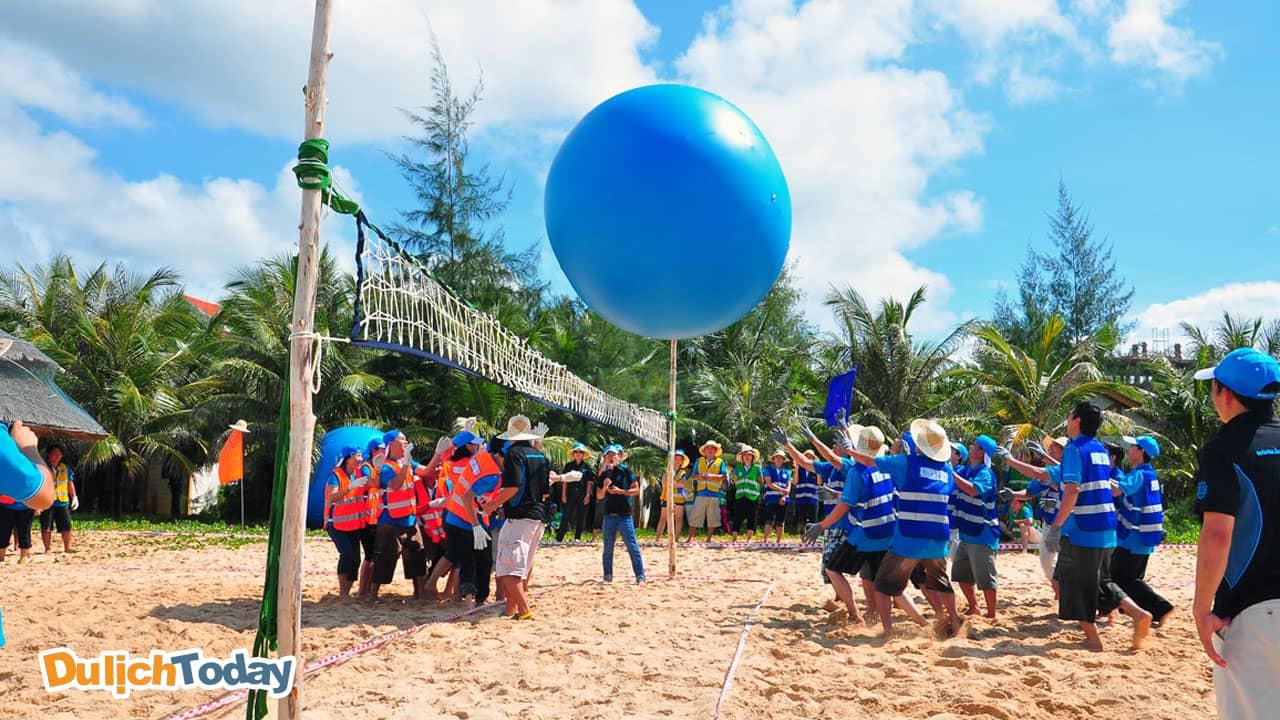 Đồ Sơn là bãi biển có phong cảnh đẹp , phù hợp với các hoạt động team building tại miền Bắc