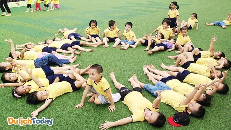 Công viên Cầu Giấy là một trong những địa điểm lý tưởng để tổ chức team building cho mọi lứa tuổi tại Hà Nội
