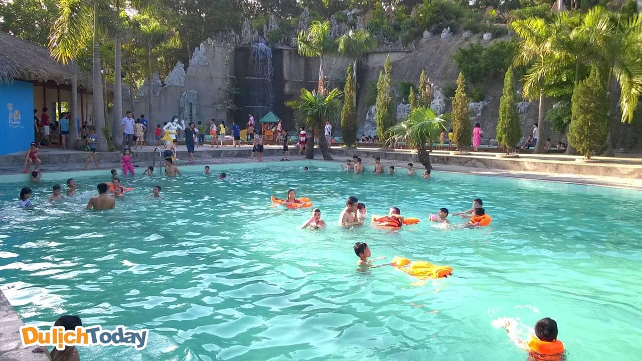 Thanh Lâm Resort được mệnh danh là khu du lịch nghỉ dưỡng tắm khoáng lớn ở miền Bắc