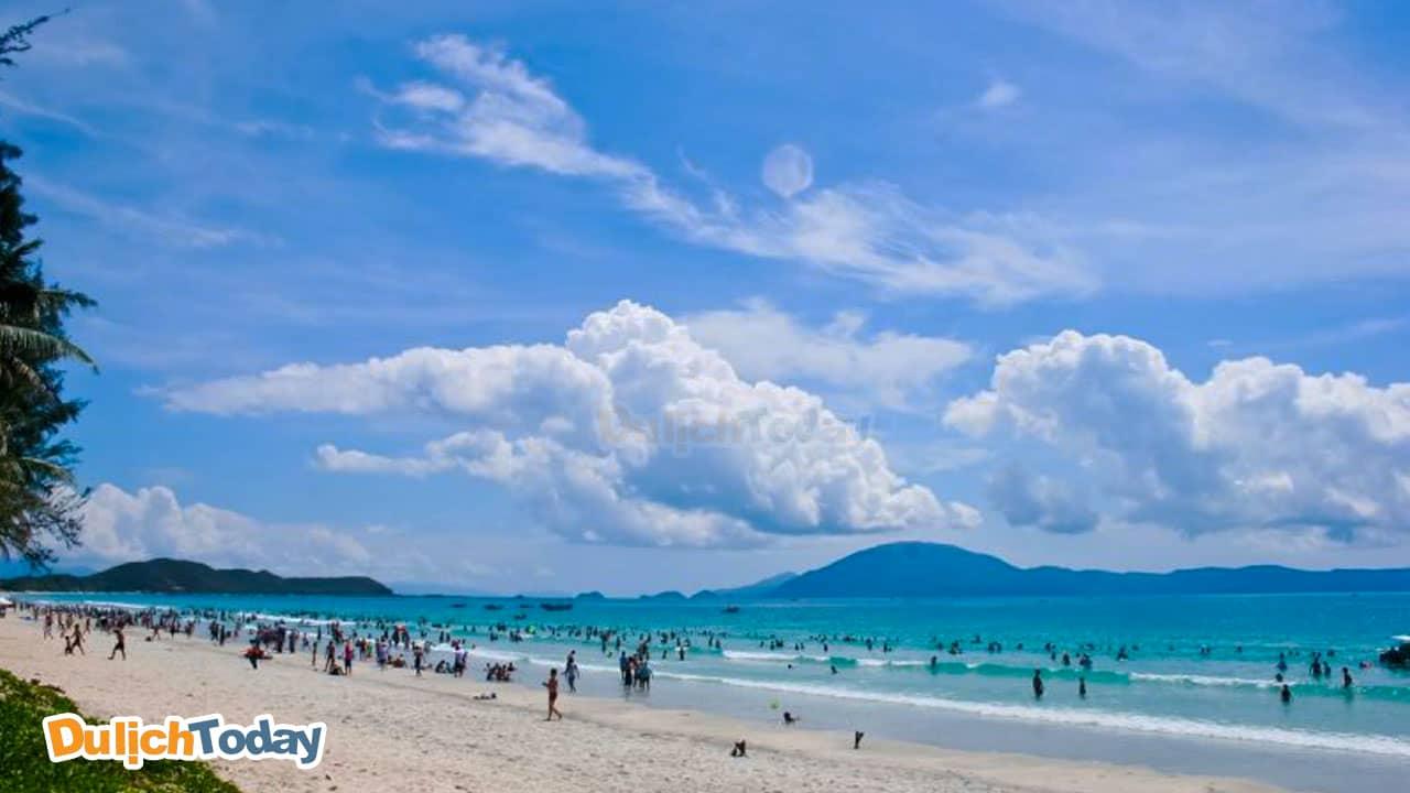 Trà Cổ là địa điểm có bãi biển dài nhất Việt Nam