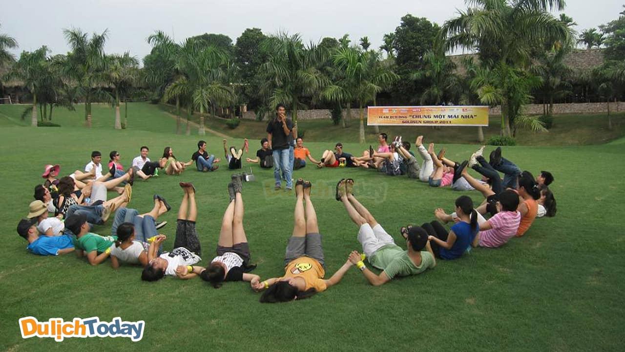V Resort là một trong những địa điểm tổ chức team building được yêu thích nhất tại thành phố Hòa Bình