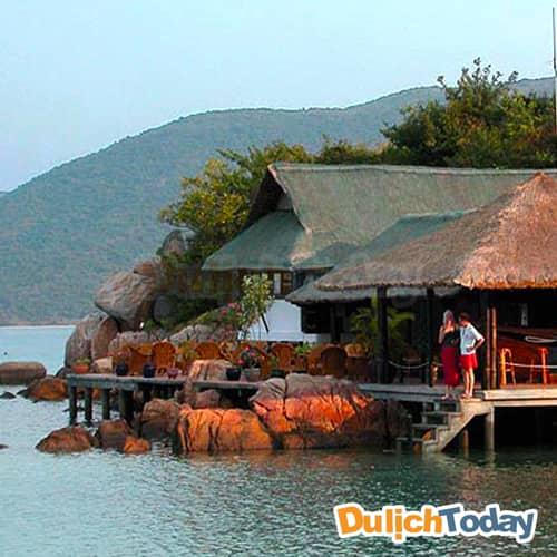 Whale Island resort có góc nhìn ra biển