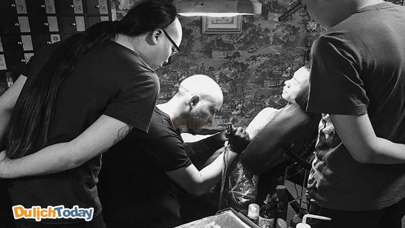 Các nghệ sĩ xăm tại AOKI Tattoo
