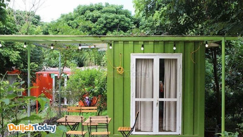 Những căn nhà ở từ Container thú vị và đầy màu sắc tại Mely Farm