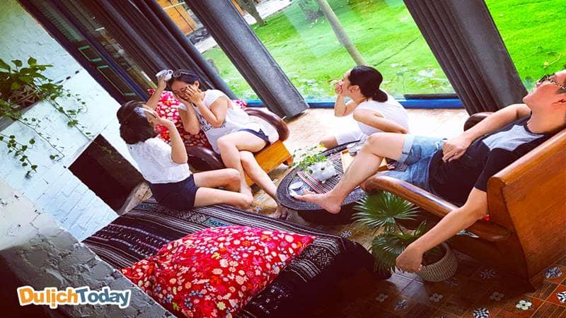 Phơri's House Mê Linh có nhiều không gian chung để các bạn thoải mái vui đùa bên nhau.