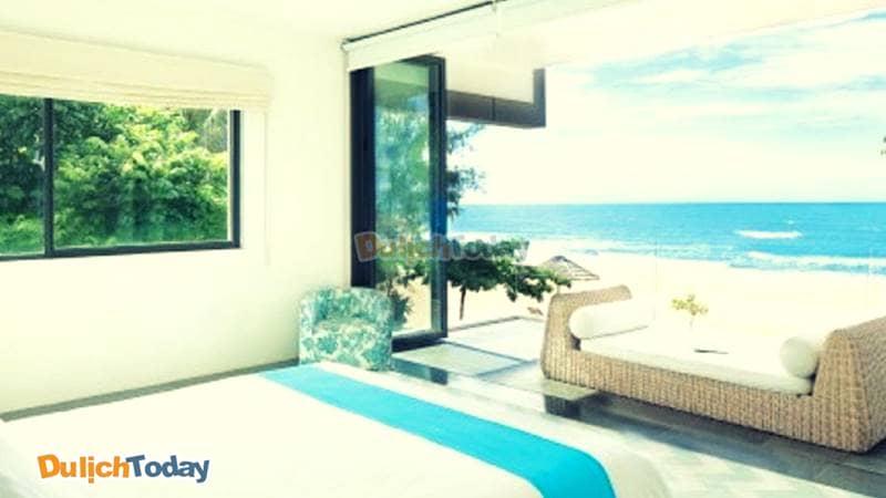 Hướng nhìn ra biển vô cùng đẹp tại phòng ngủ của Sanctuary Resort