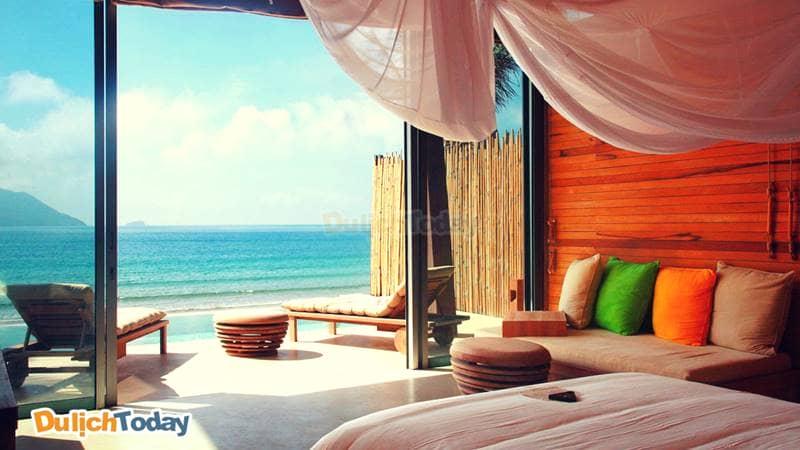 Một góc nhỏ yên bình nhìn ra biển trong phòng nghỉ của Six senses