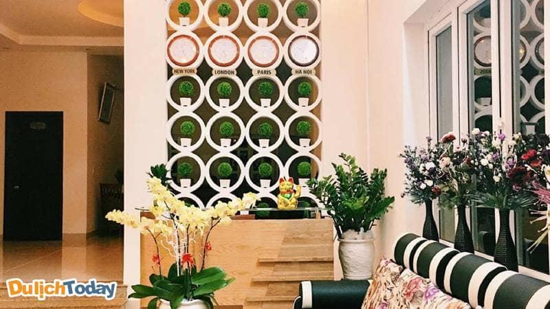 Sảnh đón khách của Sunday Villa được thiết kế sang trọng