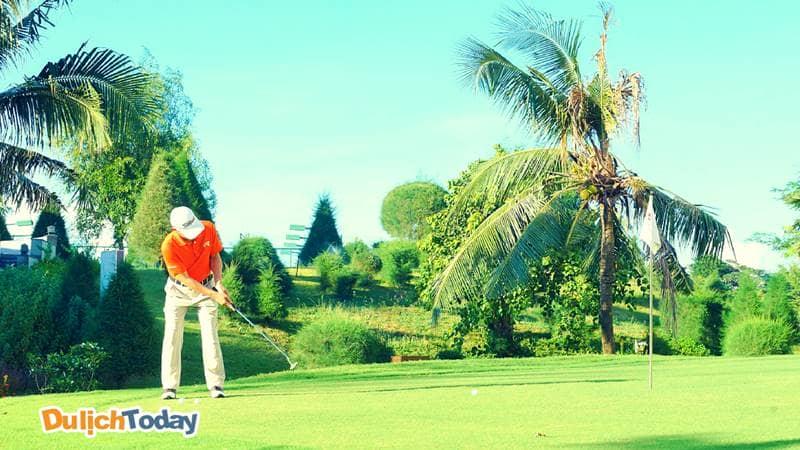 Vietsovpetro resort có không gian rộng dành cho nhiều hoạt động vui chơi, nghỉ dưỡng cao cấp đặc biệt là đánh golf