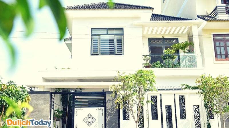 Bên ngoài biệt thự White Villa Vũng Tàu