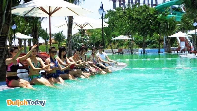 Bể bơi tại khách sạn Cáp Treo Hồ Mây Vũng Tàu