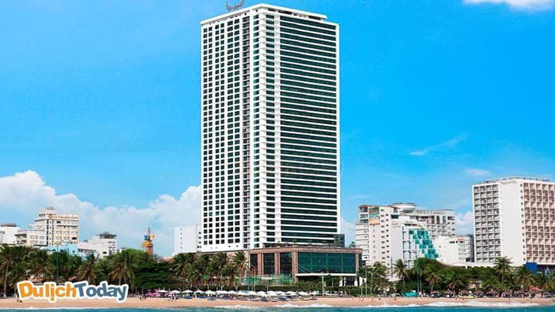 Khách sạn Mường Thanh nổi bật so với nhiều khách sạn khác cùng khu vực về quy mô phòng ngủ