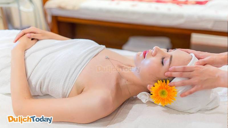 Massage đầu giải tỏa căng thẳng và mệt mỏi tại Dạ Yến Thảo