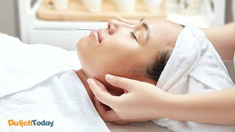 Hills Beauty Spa nổi tiếng với những dịch vụ chăm sóc da mặt.