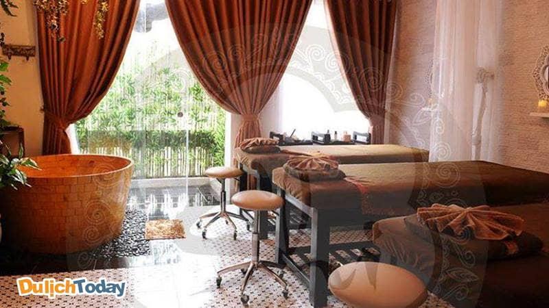 Phòng massage theo phong các Á Đông ở Shi Beauty & Spa