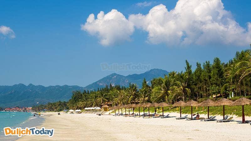 Đến Nha Trang tận hưởng biển xanh cát trắng nắng vàng