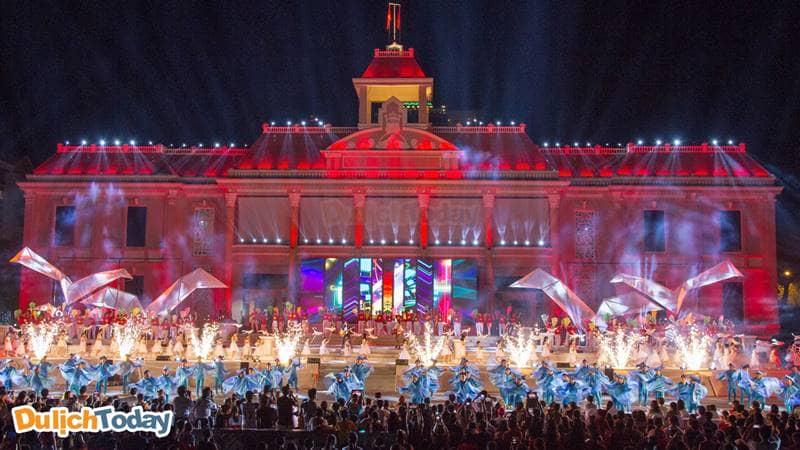 Fesival biển Nha Trang được tổ chức định kỳ 2 năm/1 lần