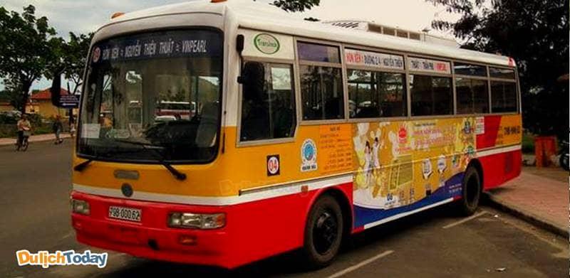 Sử dụng xe buýt có giá rẻ nhất nhưng không thuận tiện