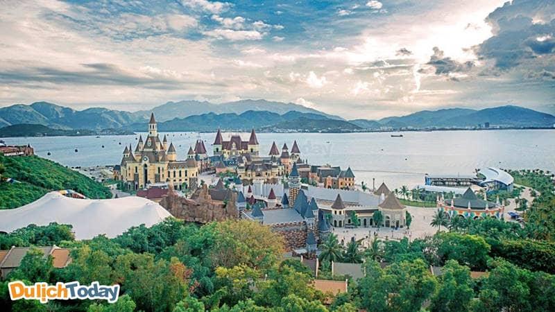"""Đi du lịch Nha Trang đừng quên ghé Vinpearl Land - """" xứ sở thần tiên"""""""