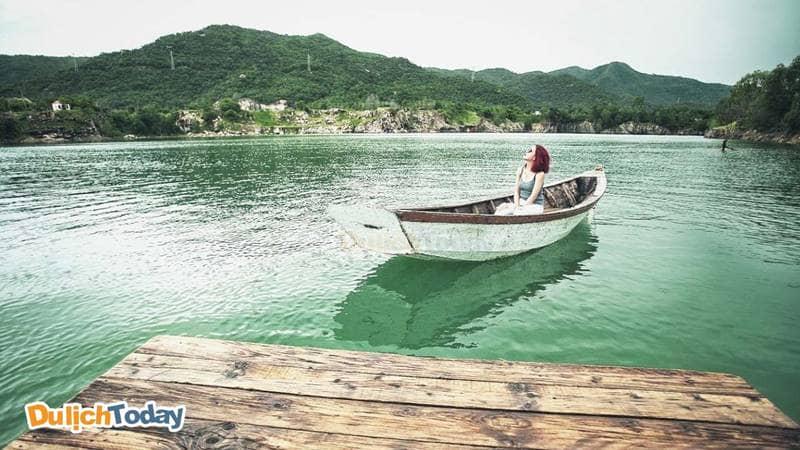 Hồ Đá Xanh Vũng Tàu điểm đến đươc nhiều bạn trẻ yêu thích