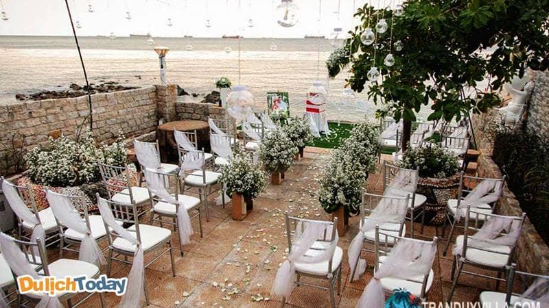 Rất nhiều khách hàng lựa chọn Hoàng Gia là địa điểm tổ chức đám cưới