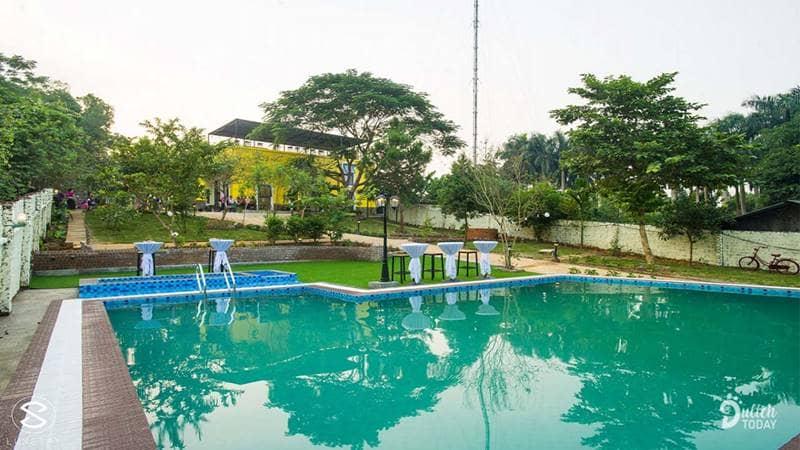 Bể bơi cực lớn tại Embossi Ba Vì