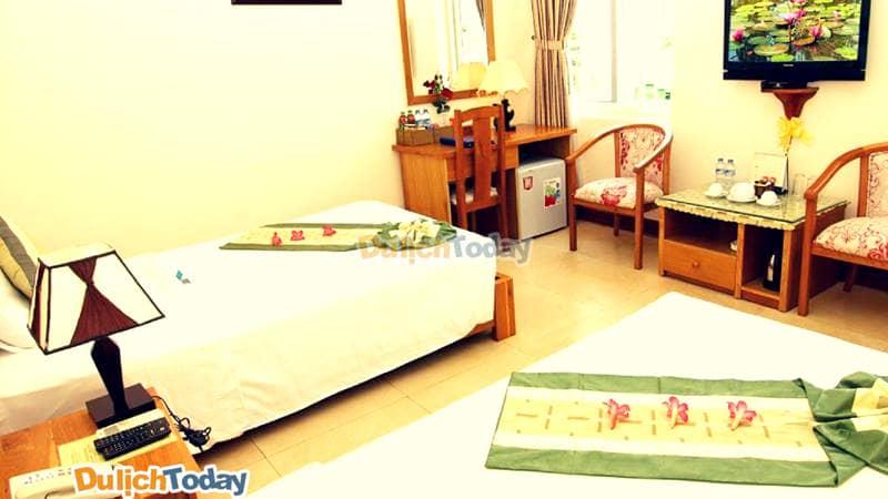 Mỗi phòng trong resort Hương Phong đều được trang bị đầy đủ tiện nghi