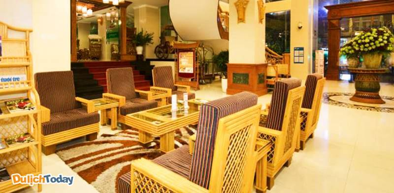 Tại Green World, nội thất được làm chủ yếu bằng mây tre thân thiện với môi trường