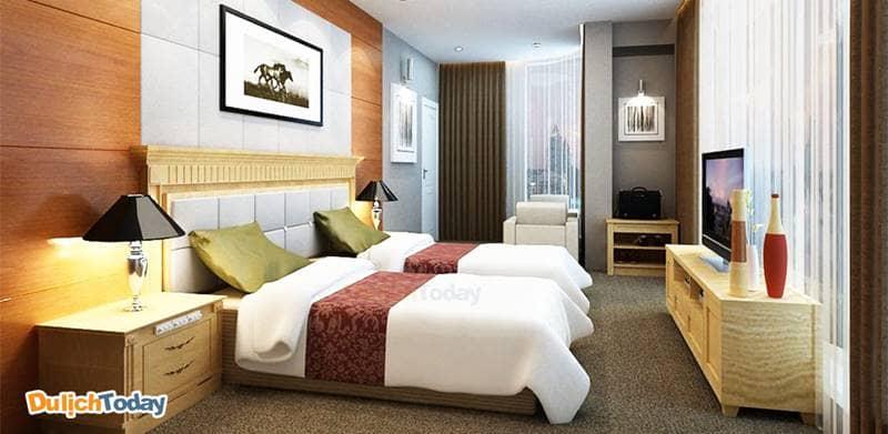 Khách sạn 4 sao có ít nhất 60 phòng ngủ trở lên