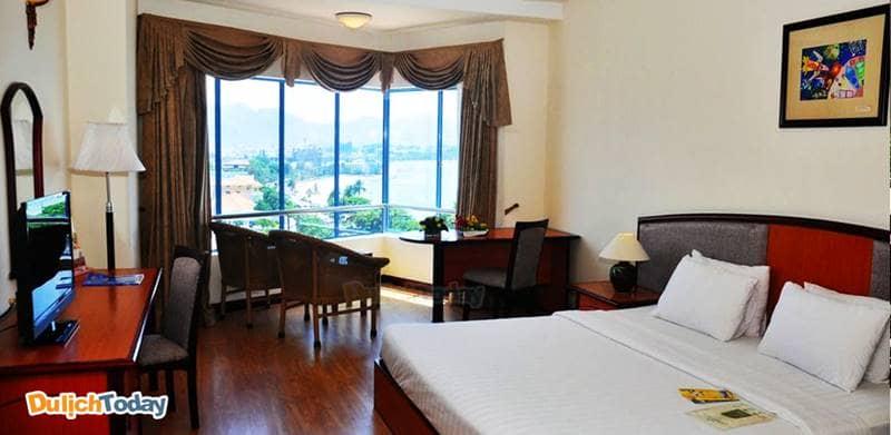 Khách sạn Yasaka Sài Gòn Nha Trang lâu đời nên có phong cách nội thất cổ điển