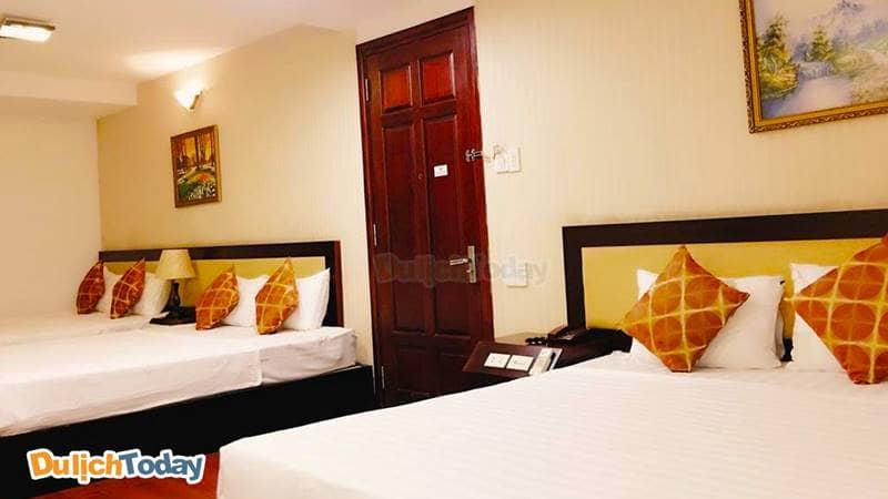 Nhiều phòng lớn trong khách sạn có thể chứa từ 4 - 6 người