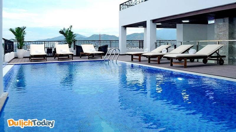 Apus là khách sạn Nha Trang gần biển có hồ bơi