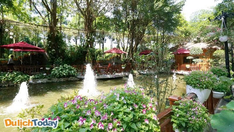 Khu Biệt thự tại Sông Hồng Resort được bao quanh bởi quang cảnh tuyệt đẹp