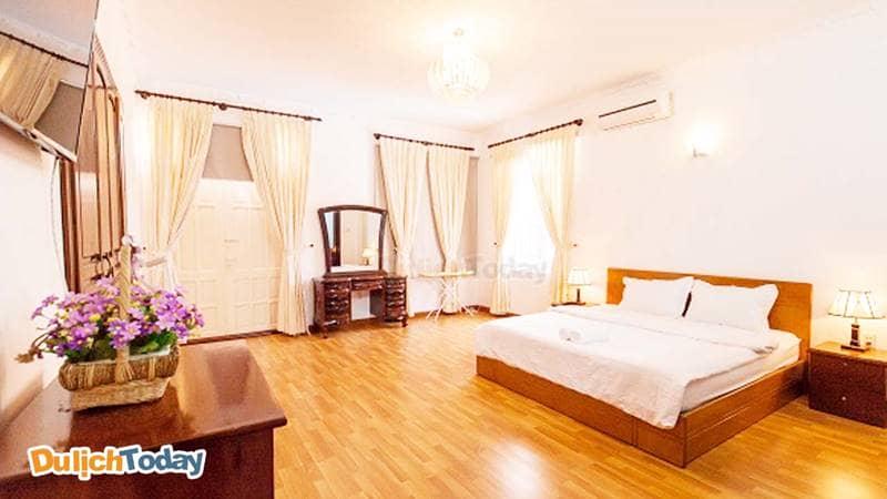 Phòng ngủ rộng rãi, sạch sẽ của biệt thự