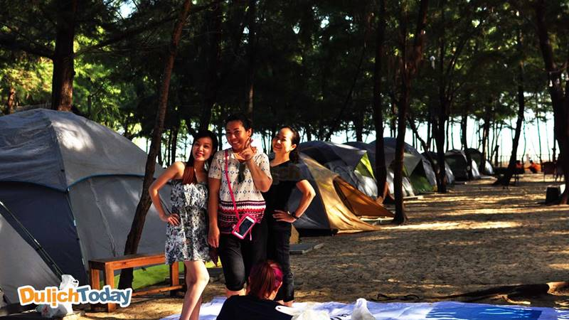 Khách hàng ngủ lều ở Zenna Pool Camp