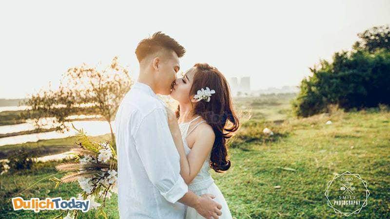 Bạn những thước ảnh tình cảm cực ấn tượng vào album ảnh cưới của mình khi chụp ảnh tại Smile Ville