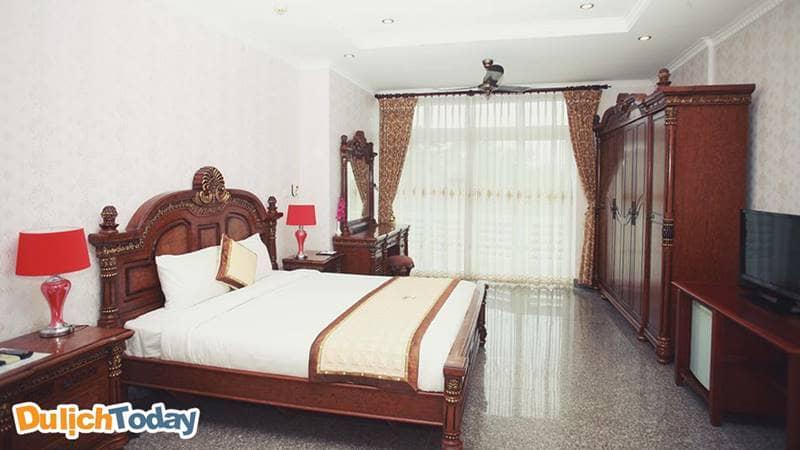 Phòng VIP được lắp đặt trang thiết bị hiện đạiphù hợp với du khách muốn vừa đi nghỉ và có thể kết hợp giải quyết công việc.