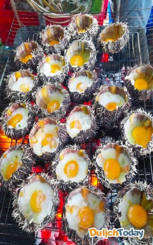 Bạn thử món nhum biển nướng trứng bao giờ chưa?