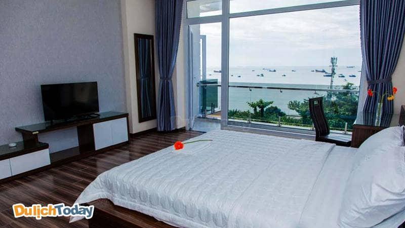 Phòng ngủ thoáng mát, nhìn được ra biển