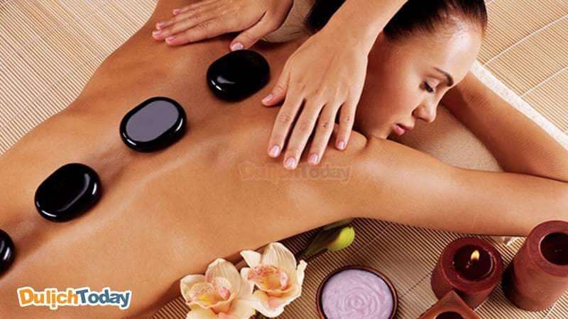 Các spa ở Nha Trang nổi tiếng với phương pháp trị liệu bằng đá nóng
