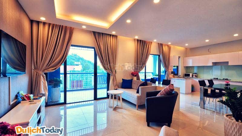 Nội thất bên trong mỗi căn phòng của resort rất tiện nghi tạo nên cảm giác thư thái thoải mái
