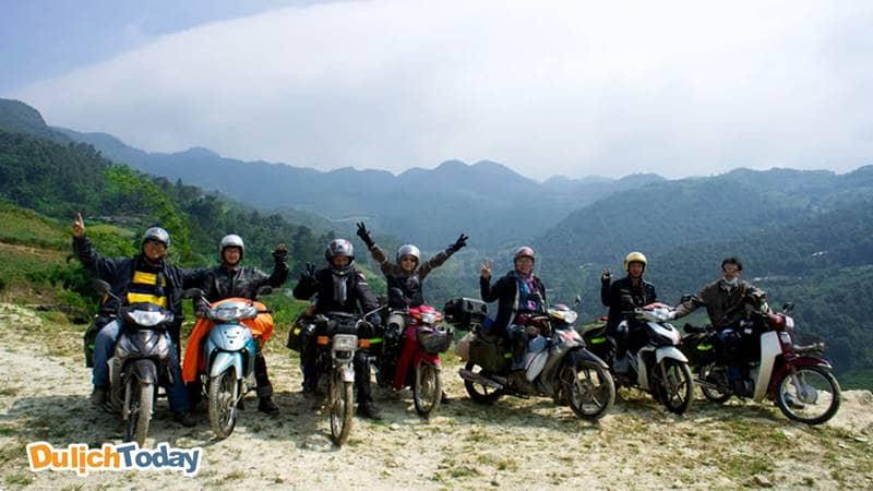 Thuê xe máy để có thể trải nghiệm thêm nhiều vẻ đẹp của tổ quốc