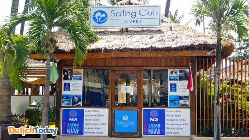 Sailing Club diver là một trong những trung tâm lặn biển đầu tiên ở Nha Trang