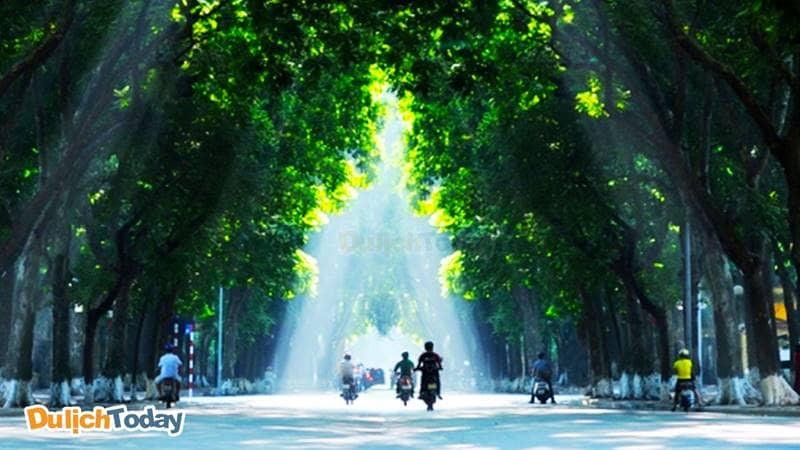Phan Đình Phùng - Con đường binh yên nhất Hà Nội