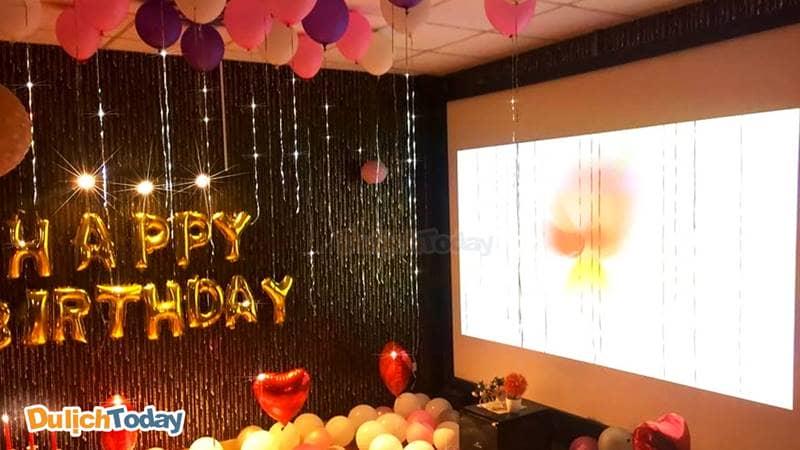 Ngoài dịch vụ cafe phim, Kinomax còn là địa điểm lý tưởng để tổ chức những bữa tiệc ấm cúng