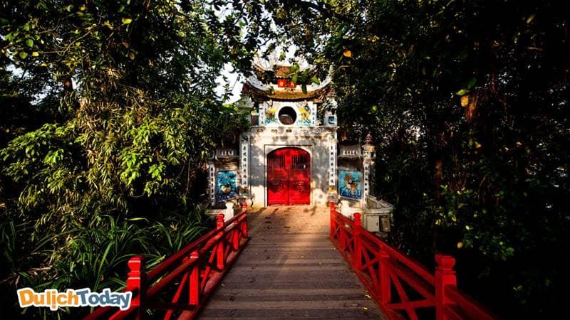 Đền Ngọc Sơn - nơi hội tụ linh khí giữa trời đất linh thiêng