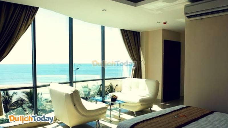 Phòng ngủ đặc biệt nổi bật với tầm nhìn ra bãi Sau vô cùng đẹp